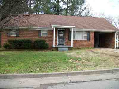 Dyersburg Single Family Home For Sale: 546 Parker