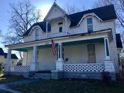 Trenton Single Family Home For Sale: 620 S Church