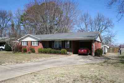 Dyersburg Single Family Home For Sale: 998 Sam Davis Dr