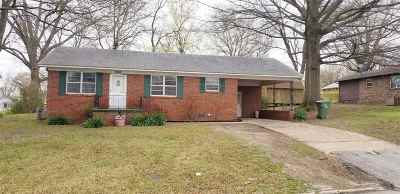 Bradford, Dyer, Gibson, Humbodlt, Humboldt, Huntingdon, Jackson, Kenton, Rutherford, Three Way, Windy City, Yorkville Single Family Home For Sale: 266 E Walnut