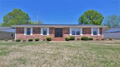 Bradford, Dyer, Gibson, Humbodlt, Humboldt, Huntingdon, Jackson, Kenton, Rutherford, Three Way, Windy City, Yorkville Single Family Home For Sale: 10 Clinton Rd