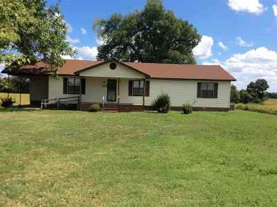 Trenton Single Family Home For Sale: 37 Jessee Patterson