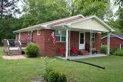 Newbern Single Family Home Backup Offers Accepted: 105 S Jackson St.