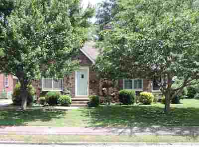 Lake County Single Family Home For Sale: 404 S Main