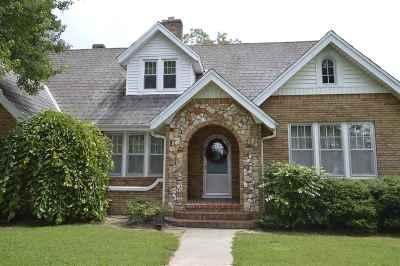 Carroll County Single Family Home For Sale: 1100 W Main