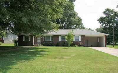 Dyersburg Single Family Home Backup Offers Accepted: 728 Wendell