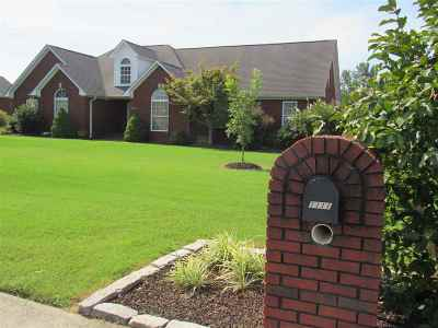 Newbern Single Family Home For Sale: 1111 Crowne Pointe Dr
