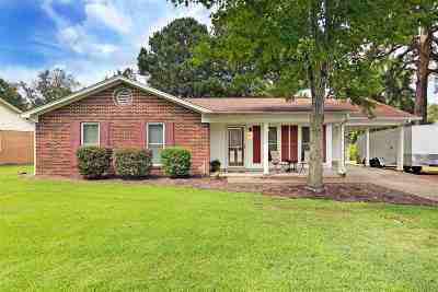 Milan Single Family Home For Sale: 5039 Briarwood