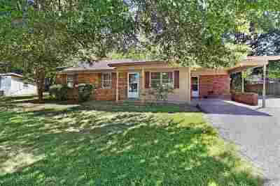 Milan Single Family Home For Sale: 7064 Dogwood