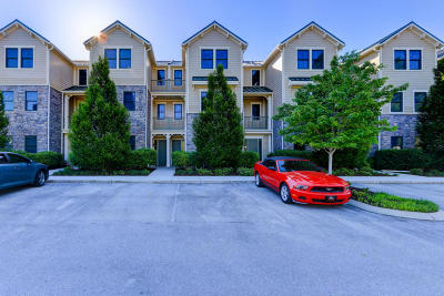 Condo/Townhouse For Sale: 112 Waterside Circle