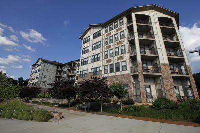 Condo/Townhouse For Sale: 445 W Blount Ave #Apt 318