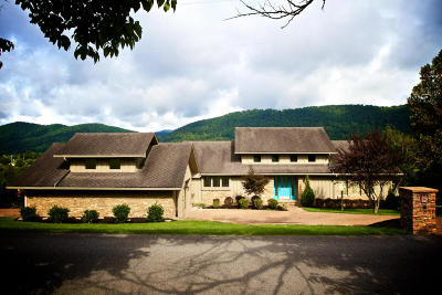 Lafollette Single Family Home For Sale: 334 Country Club Rd