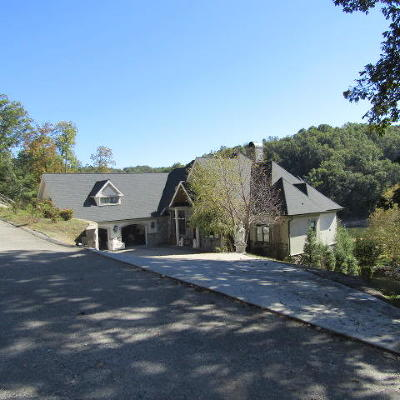 Campbell County Single Family Home For Sale: 374 Bluff Trace