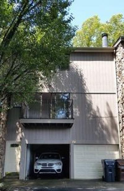 Knoxville Condo/Townhouse For Sale: 1972 Cherokee Bluff Drive