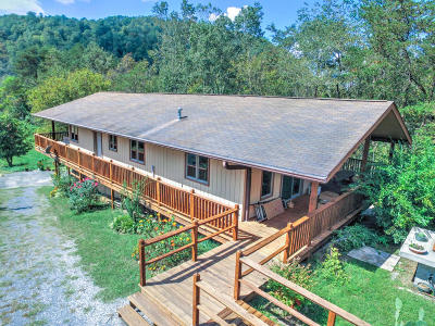 Single Family Home For Sale: 2701 Lays Gap Rd