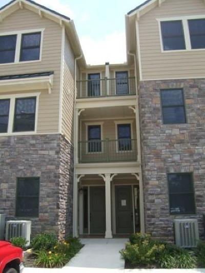 Single Family Home For Sale: 110 Waterside Circle #1