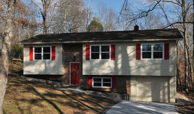 Single Family Home For Sale: 440 Shady Lane