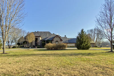 Single Family Home For Sale: 3054 Devault Rd