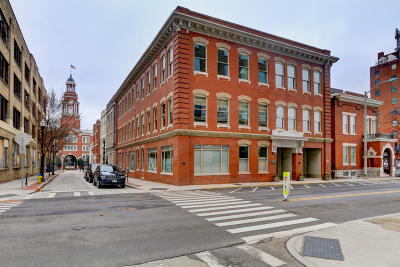 Knoxville Condo/Townhouse For Sale: 400 W Church Ave #203