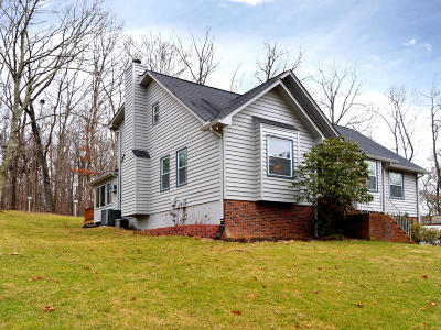 Clinton Single Family Home For Sale: 318 Powder House Rd