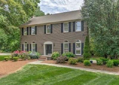 Knoxville Single Family Home For Sale: 528 E Fox Den Drive