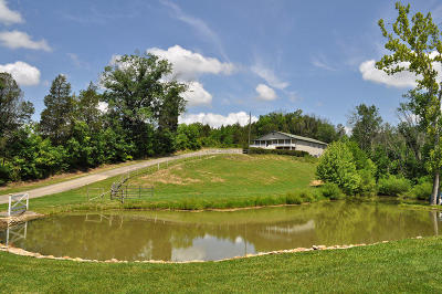 Seymour Single Family Home For Sale: 831 Sugarloaf Lane