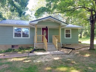 Sweetwater Single Family Home For Sale: 172 Greenbriar Rd