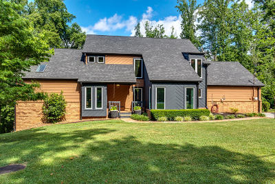 Knoxville Single Family Home For Sale: 1530 N Courtney Oak Lane