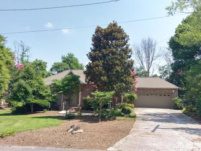 Knoxville Single Family Home For Sale: 6902 Pennell Lane