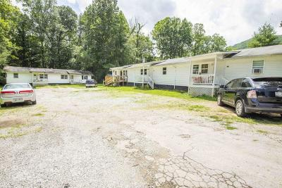 Campbell County Multi Family Home For Sale: 135 Woods Circle