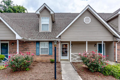 Knoxville Single Family Home For Sale: 6518 Doe Creek Way