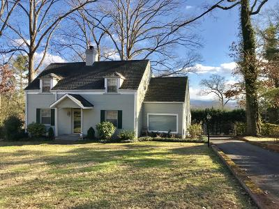 Knoxville Single Family Home For Sale: 5416 Crestwood Drive