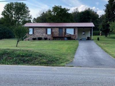 Madisonville Single Family Home For Sale: 435 Oak Grove Rd