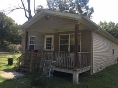 Oliver Springs Single Family Home For Sale: 160 Midway Drive