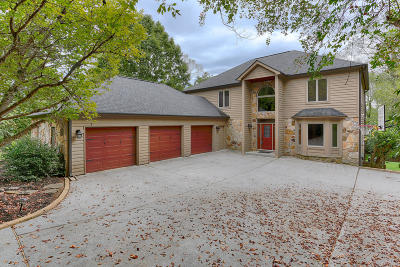 Knoxville Single Family Home For Sale: 2110 Duck Cove