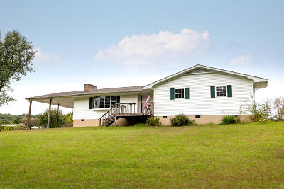 Louisville Single Family Home For Auction: 2642 Louisville Boatdock Rd