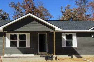 Crossville TN Single Family Home For Sale: $129,900
