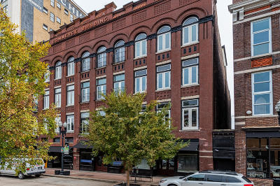 Condo/Townhouse Sold: 122 S Gay St #202