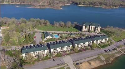 Union County Condo/Townhouse For Sale: 126 Waterside Circle