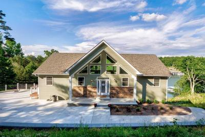 Lafollette Single Family Home For Sale: 389 Lakesprings Drive