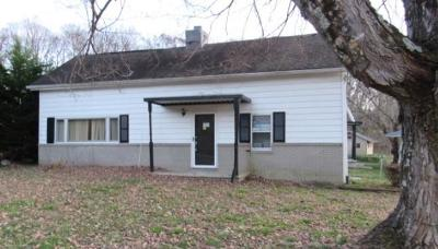 Morristown Single Family Home For Auction: 3217 Cherokee Drive