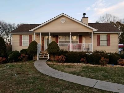 Seymour Single Family Home For Sale: 924 Eagle Den Drive