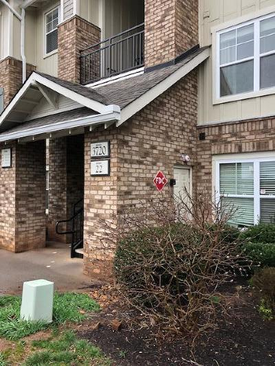 Knoxville Condo/Townhouse For Sale: 3720 Spruce Ridge Way #2223