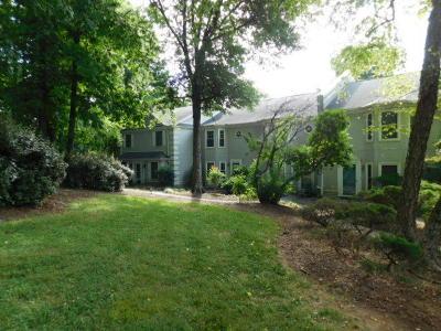 Knoxville Single Family Home For Sale: 8803 Ashton Court