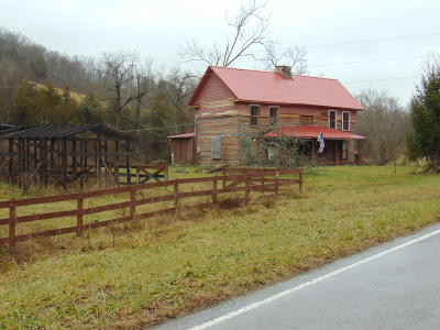 Claiborne County, Cocke County, Grainger County, Greene County, Hamblen County, Hancock County, Hawkins County, Jefferson County, Sevier County, Union County Single Family Home For Sale: 8826 Mulberry Gap Rd. Rd