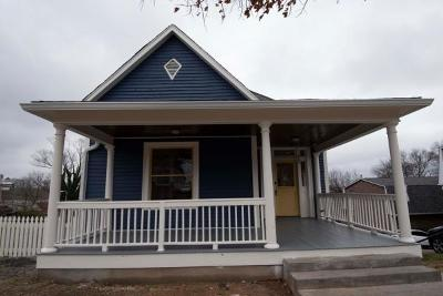 Knoxville Single Family Home For Sale: 412 E Scott Ave