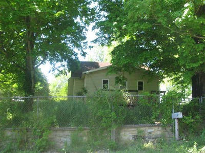 Sweetwater Single Family Home For Auction: 130 Acorn Gap Rd