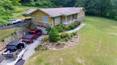 Single Family Home For Sale: 2675 Stinking Creek Rd