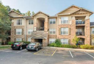 Knoxville Condo/Townhouse For Sale: 3930 Cherokee Woods Bld 10 #204