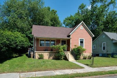 Knoxville Single Family Home For Sale: 207 E Emerald Ave